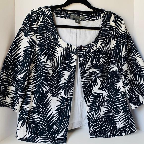 Josephine Chaus Jackets & Blazers - Josephine Chaus Size 8 Black/White Cropped Sleeve